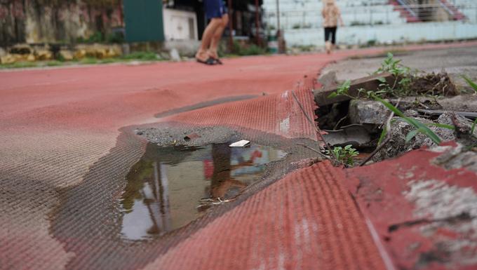 San bong tieu chuan SEA Games bo hoang nhieu nam o Ninh Binh 9