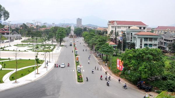 Thi cong san co nhan tao uy tín tai Tuyen Quang